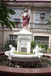 colegio-del-sagrado-corazon-de-jesus-statue-02